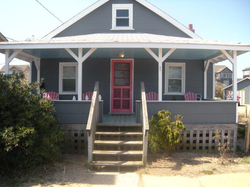 Cozy Cute Historic Sea Spray Cottage #1, alquiler de vacaciones en Nags Head