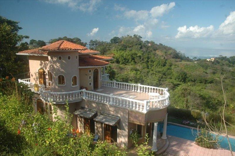 Casa Ylang Ylang - Ocean View Villa with Pool, alquiler de vacaciones en Ojochal