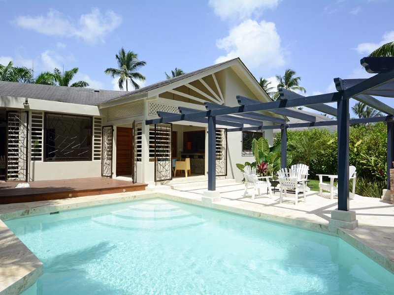 Return Listing - Villa with private pool walking dist. from everything, holiday rental in Samana Province