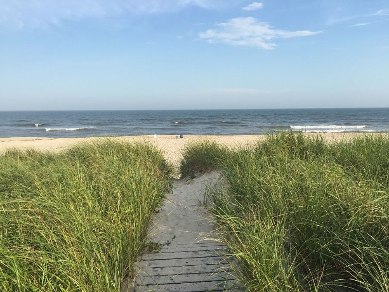Family Oceanfront beach house, holiday rental in Westhampton