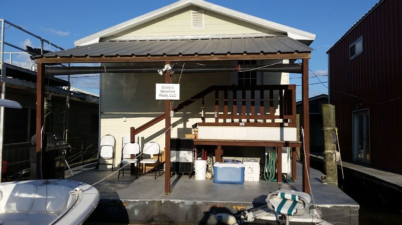 Venice Houseboat For Rent +  $75 cleaning fee, & inshore **********************, holiday rental in Empire