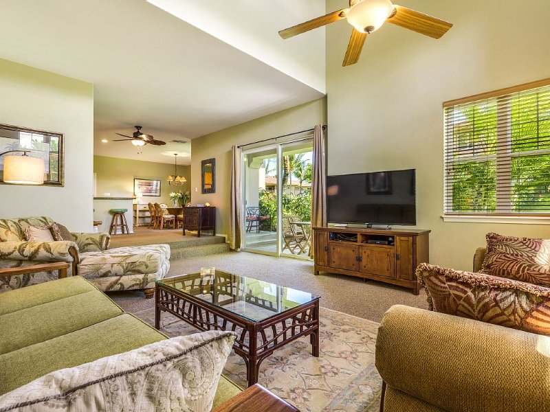 Beautiful Spacious Quiet 3 BR/2.5 BA Golf Course Villa Just Steps From Pool, vacation rental in Waikoloa