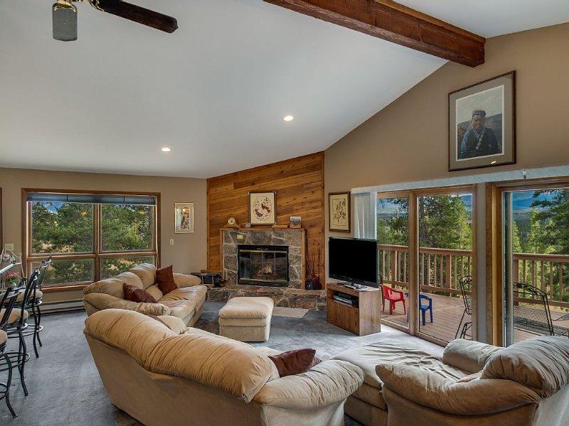 Great Family Value - Gorgeous views - Private acre in the pines, location de vacances à Tabernash