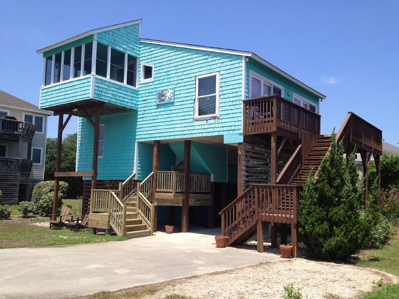 6th House From Beach! Steps to Duck Town! 3 Bed, 2 Bath., alquiler de vacaciones en Kitty Hawk