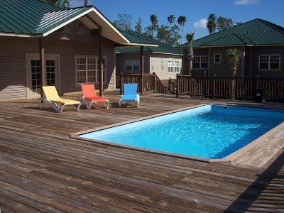 Island Clubhouse Pool & Sundeck