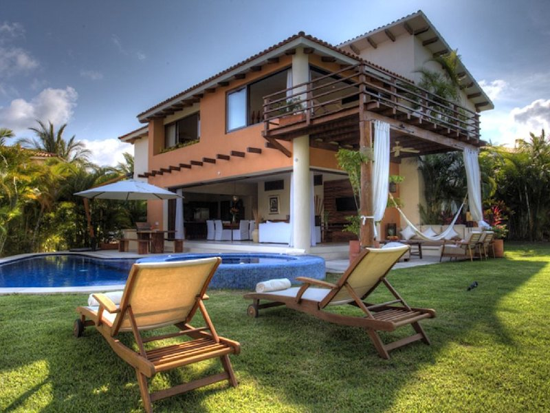 BEST VALUE IN PM-PRIVATE POOL-/FT MAID THAT ALSO COOKS-PREMIER MEMBERSHIP, location de vacances à Punta de Mita