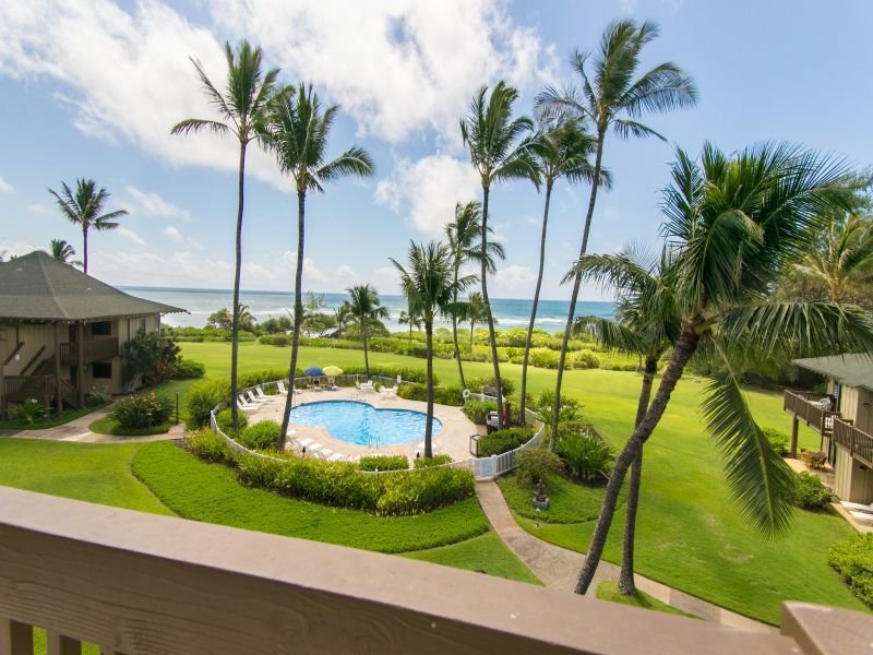 Oceanfront , Beachfront, Remodeled 3 BR/2BA with Sunrise Views from $260/nt., vacation rental in Lihue