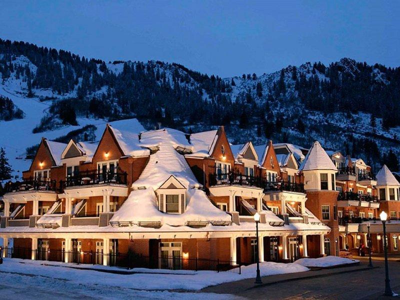 Hyatt Grand Aspen Luxury at 40-70% Discounted Owner Pricing, holiday rental in Aspen
