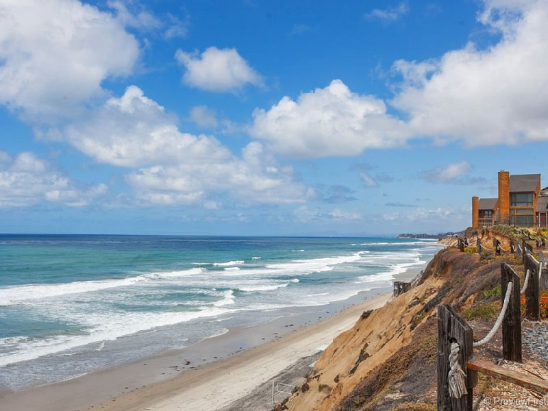 Oceanfront Complex in Solana Beach!, vacation rental in Solana Beach