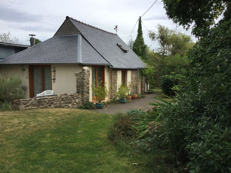 Stunning, private gite in beautiful countryside location, holiday rental in Herce