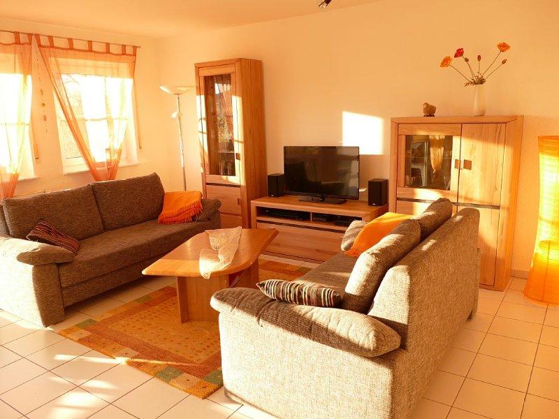 'Urlaubsfeeling pur...' - 70m² geräumige und moderne Ferienwohnng für 6 Personen, holiday rental in Lancken-Granitz