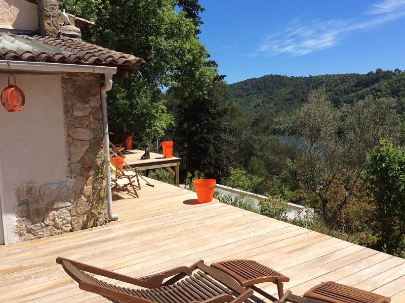 TESS Villa Provence by Nature Hiking Golf Fishing Rest Sun all year, holiday rental in Cabasse