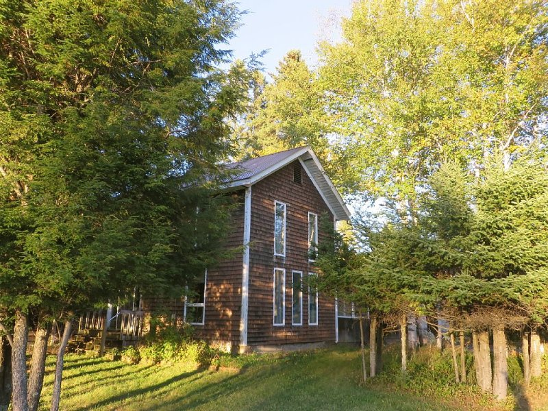 Adirondack Mountains NY State- Indian Lake -Pet Friendly, with Wi-Fi, holiday rental in Indian Lake