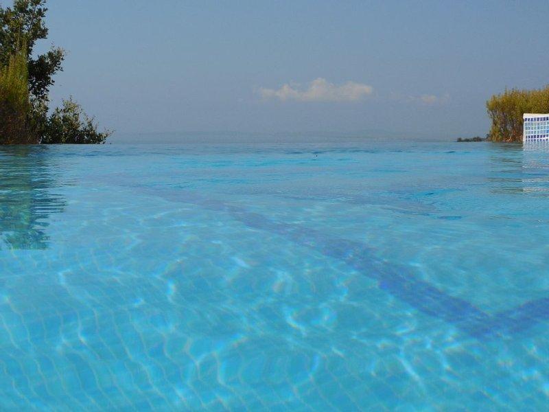 Villa Blue Paradou, classée 4*, magnifique vue mer, piscine chauffée, prox.golf, vacation rental in La Londe Les Maures