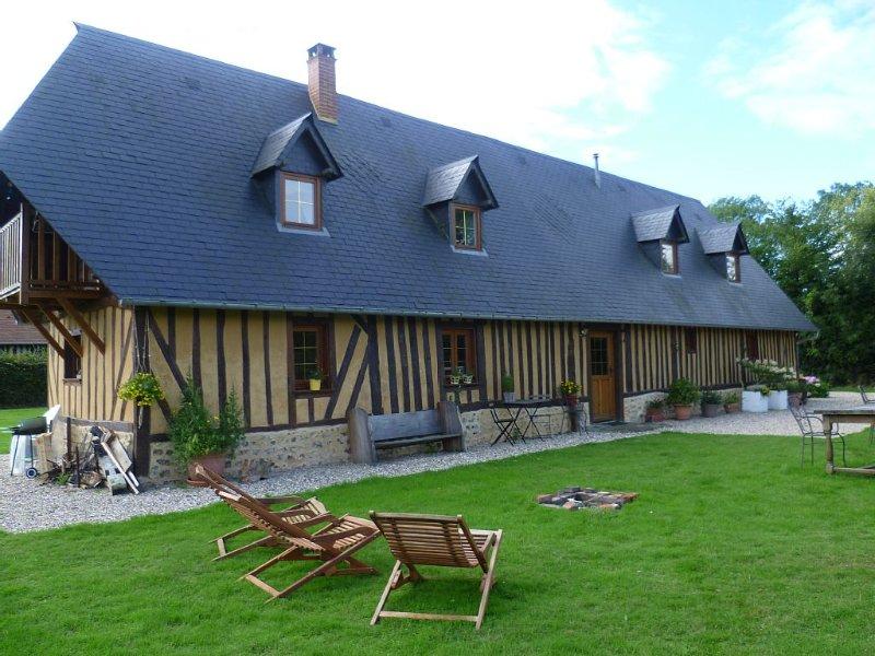 Gite normand idéal pour 2 familles(7+2 p.) Espace sauvage/cabane ds châtaigniers, holiday rental in Brionne