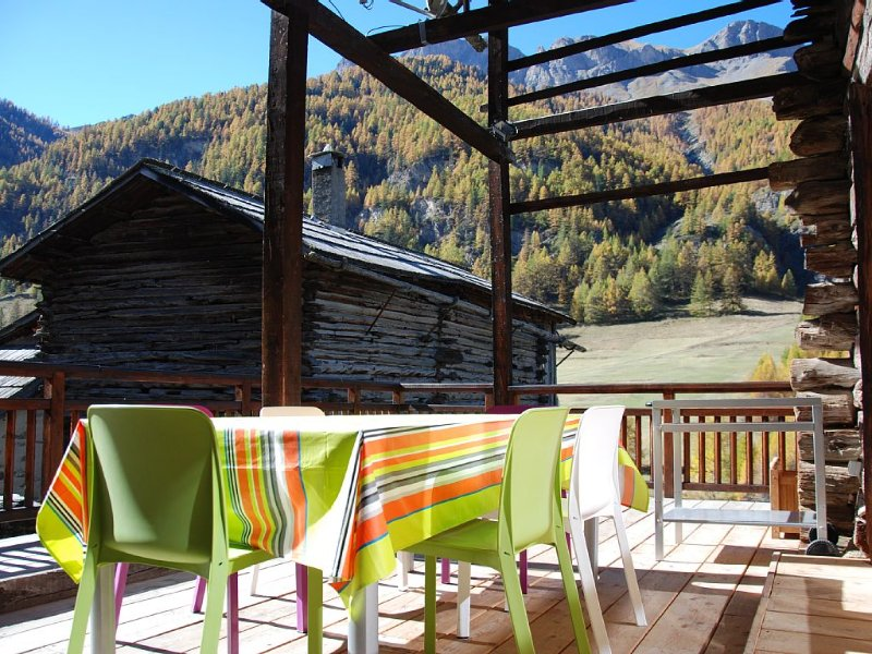 CHARMING COTTAGE ST VERAN, Sauna, 3-star establishment (La Caleta), vacation rental in Saint-Veran
