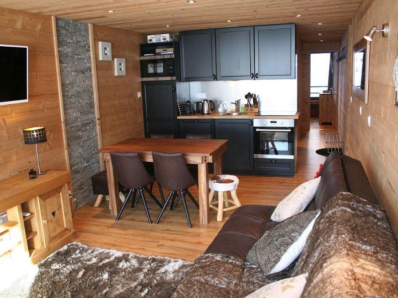 Roc de Péclet, South facing Balcony, Ski to door, 4/6 pers., 2 ch., Separate WC, holiday rental in Saint-Martin-de-Belleville