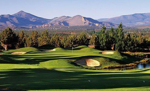 Golf and Outdoor Getaway!!, holiday rental in Redmond