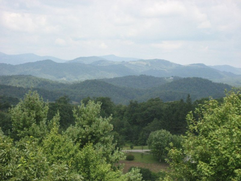 Blue Ridge Getaway Close to Linville Falls, the Parkway and Grandfather Mountain, casa vacanza a Newland