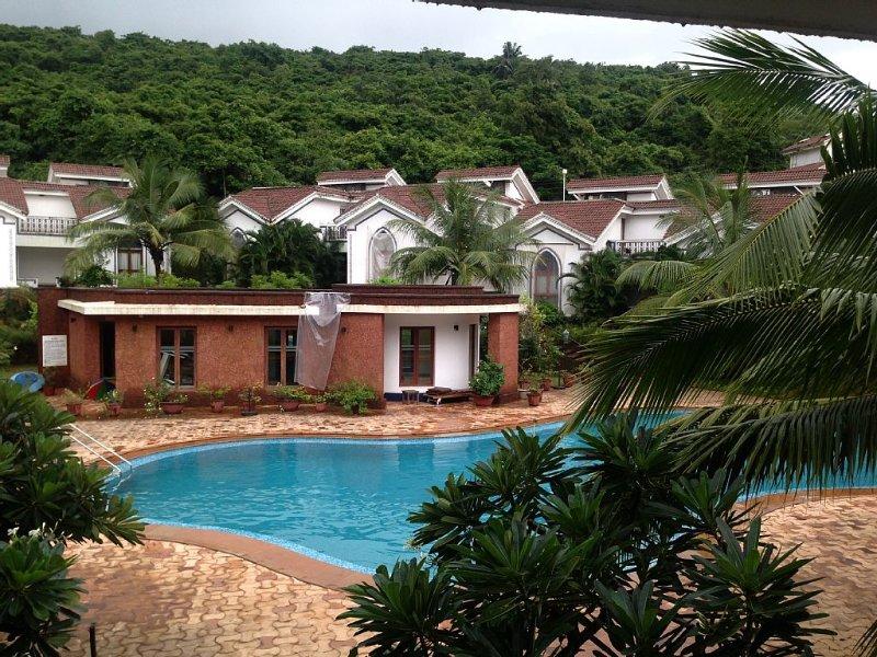 Pool Facing two Bedroom Duplex Apartment in Baga/Arpora/Anjuna(1207), holiday rental in Verla Canca