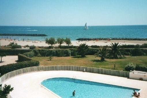 Cap d'Agde ROCHELONGUE 1 Line VIEW ON THE SEA T2 RENOVATED, holiday rental in Agde