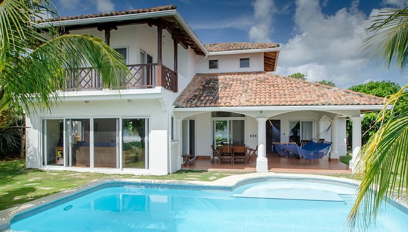 Beachfront Villa with Infinity Pool at Colorados Surf Break in Hacienda Iguana!, Ferienwohnung in Bezirk Rivas