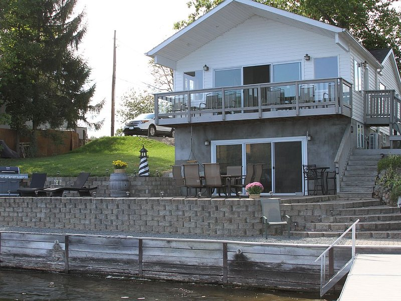 Waneta Lake House - Stay in the Heart of the Finger Lakes Wine Country!, vacation rental in Hammondsport