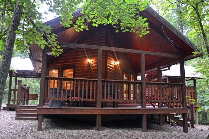 Sweet Escape-Luxury Honeymoon Cabin. Hot tub, King Bed, WIFI & private Hot tub, holiday rental in Broken Bow