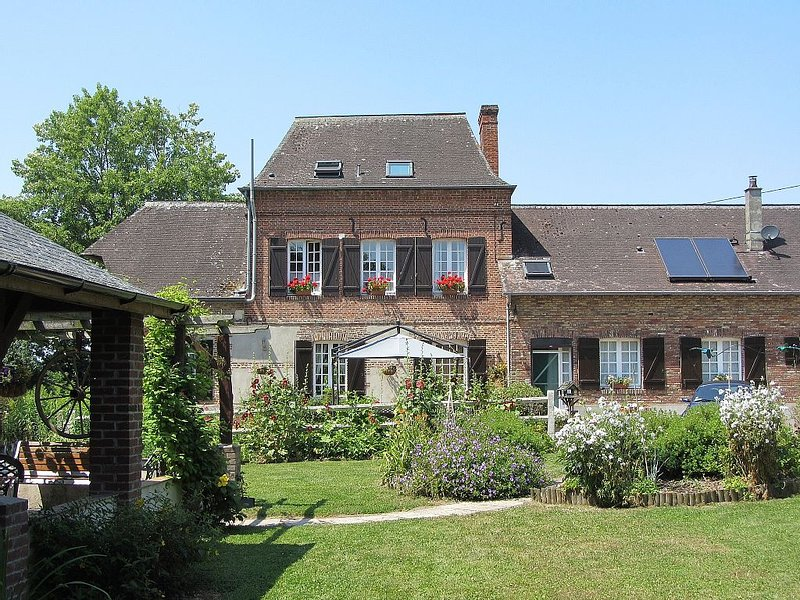 Spacious Studio On The Second Floor Of An 18th Century Watermill, holiday rental in Richemont