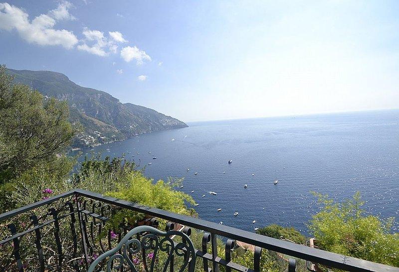 Villa Ines, rimborso completo con voucher*: Un incantevole cottage costruito a p, vacation rental in Positano