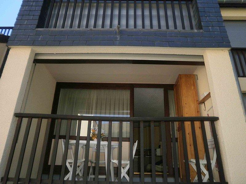 300m du téléphérique, appartement avec balcon dans résidence avec parking, location de vacances à Hautes-Pyrenees