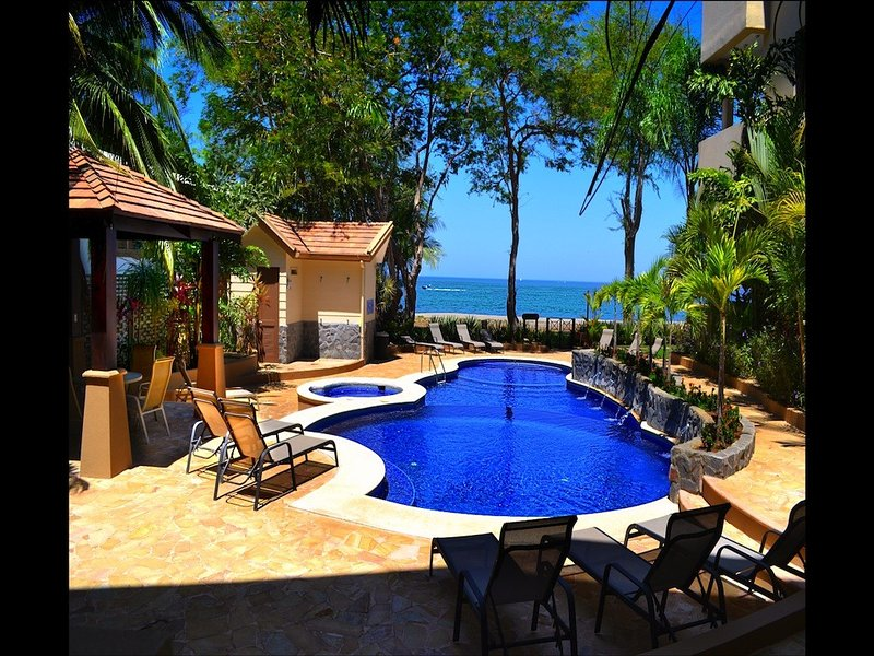 Easter Discount!~Beachfront~Poolside~Incredible Ocean&Sunset View~Ground Flr, holiday rental in Playa Hermosa
