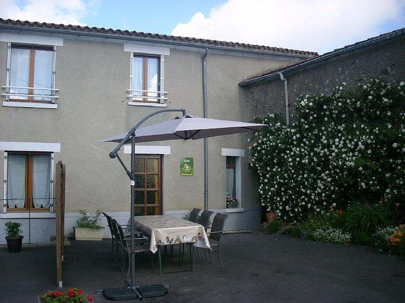Les 4 Saisons Le Puy Poutier Menomblet, holiday rental in Montournais