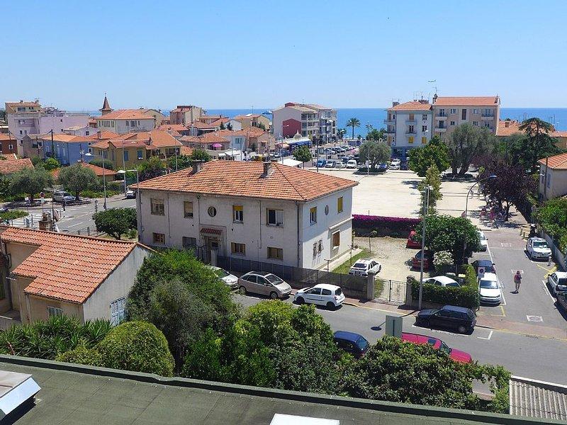 A 5 min à pied des plages et des commerces, en plein coeur du Cros de Cagnes !, casa vacanza a Cagnes-sur-Mer