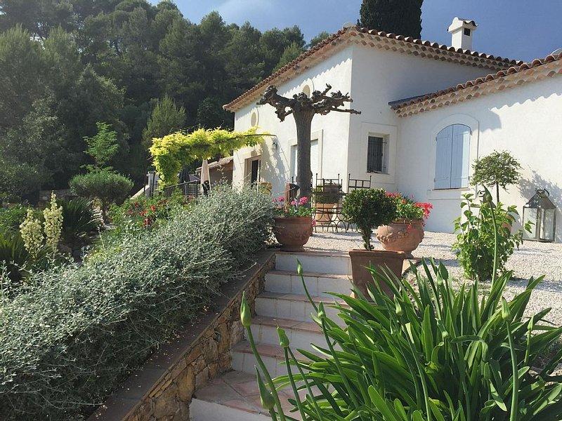 Magnifique villa avec piscine, belle vue !, location de vacances à Lorgues