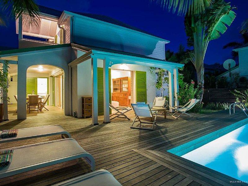 Villa à seulement 1 minute de la plage, holiday rental in Orient Bay