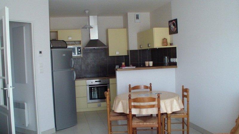 Sables D olonne Appartement 45m2 dans petite résidence avec garage proche mer, alquiler de vacaciones en Les Sables-d'Olonne