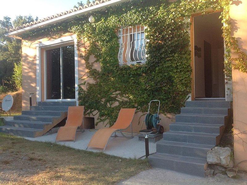 Villa climatisée  4 personnes au calme à 2 minutes de la plage, holiday rental in Ogliastro