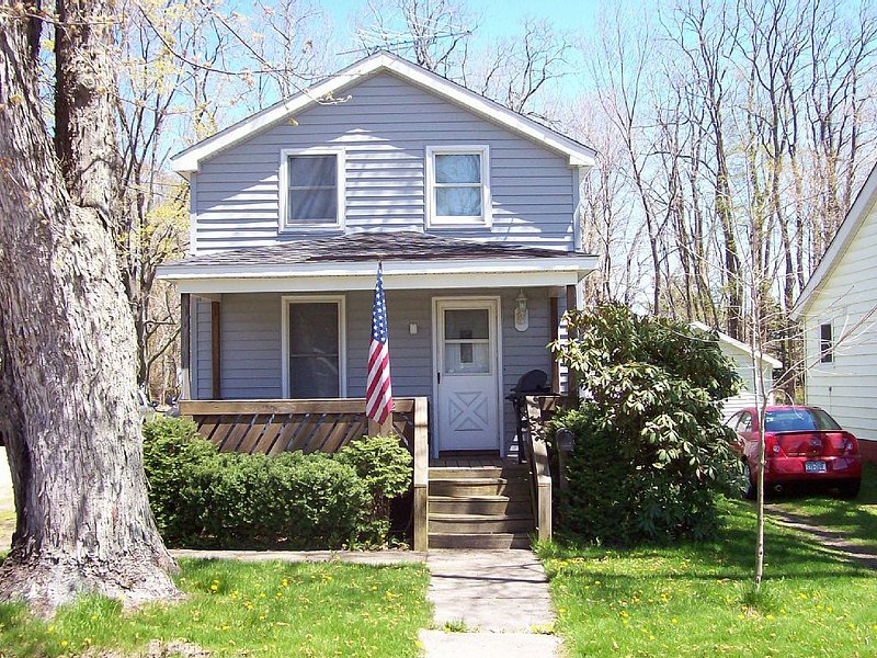 5 minutes to Chautauqua Institute, Best Value, All The Amenities, , Lake View, vacation rental in Brocton