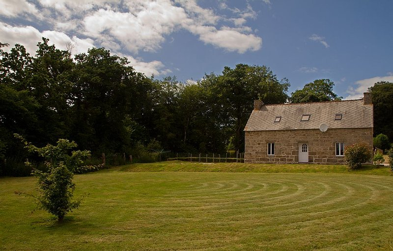 Set in beautiful idyllic rural grounds - perfect for nature lovers