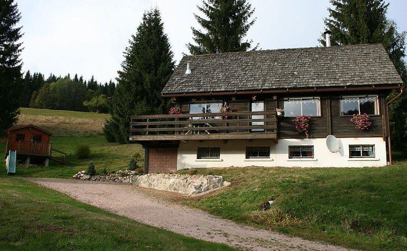 Chalet 3*au calme et proche des lacs de longemer, Gérardmer et des pistes de ski, holiday rental in Ban-sur-Meurthe-Clefcy