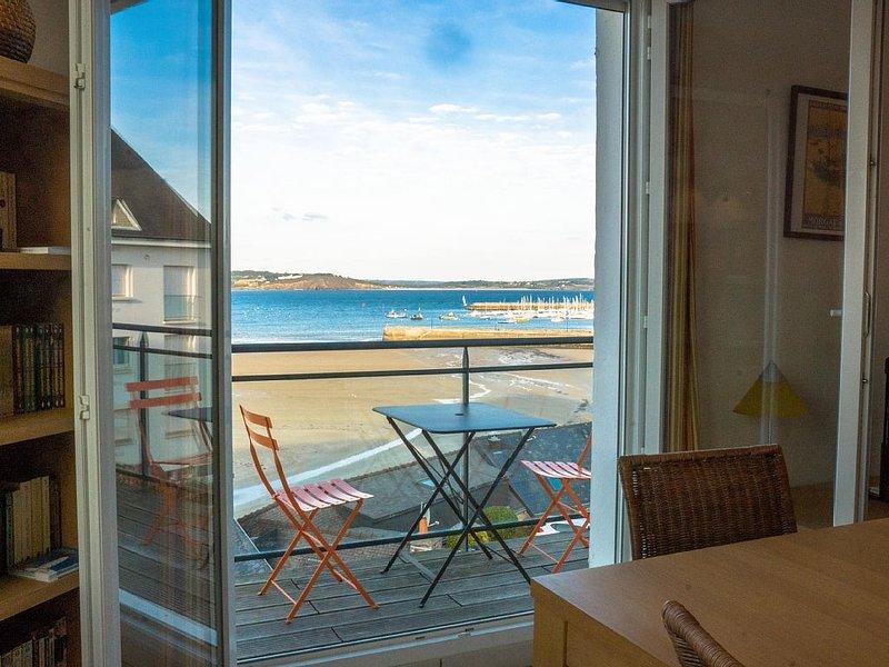 Appartement vue mer au calme, 2 chambres, wifi gratuit – semesterbostad i Crozon