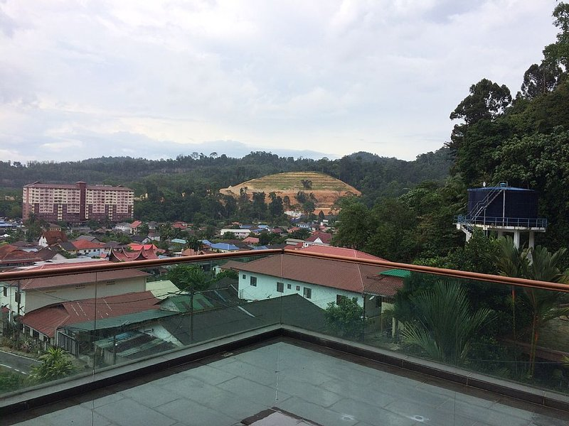 Village & Forest next to the City of Kuala Lumpur, holiday rental in Ampang