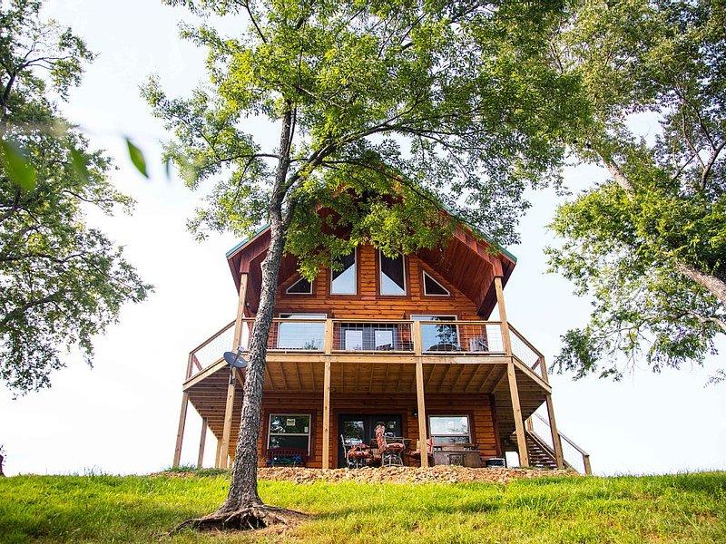 GORGEOUS! Best property on the Caddo River In Glenwood Arkansas!, location de vacances à Norman