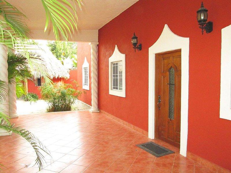 2 Bdrm Paradise at Villa Preciosa, location de vacances à Izamal
