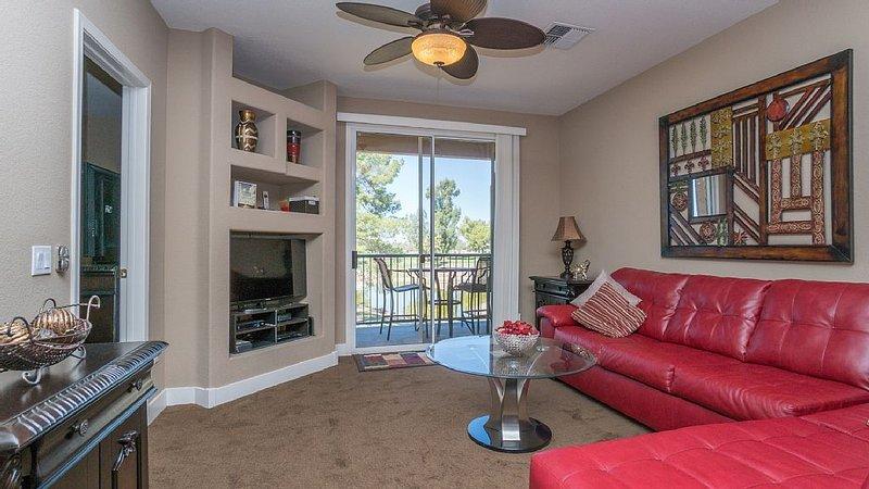 Beautiful Two Bedroom Condo In Superstition Lakes, alquiler de vacaciones en Mesa