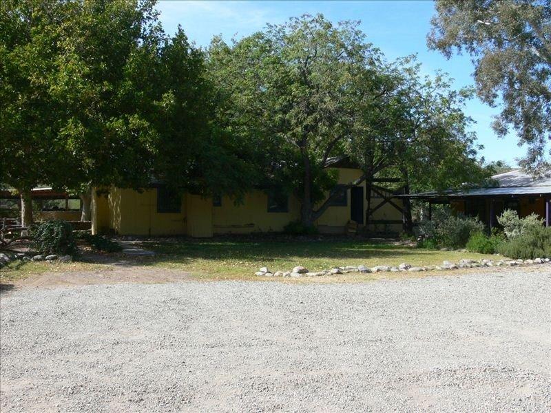 Santa Gertrudis Lane Historic Casita, aluguéis de temporada em Arivaca