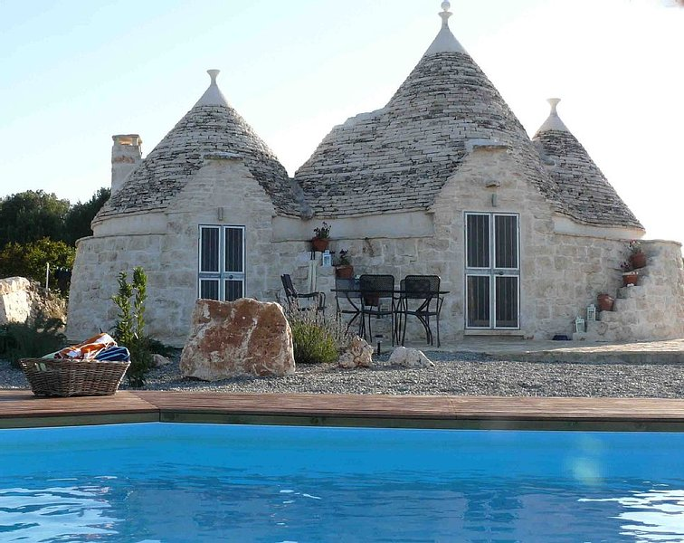 Beautifully Renovated Trullo For The Perfect Romantic Holiday, With Private Pool, casa vacanza a Martina Franca