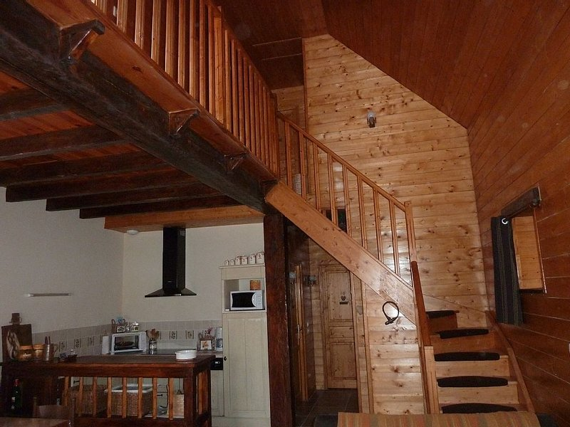 Bergerie authentique  rénovée, holiday rental in Viscos