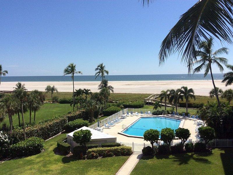 Breathtaking Beachfront View From This 4th Floor Condo, location de vacances à Goodland